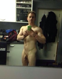 ex bf amateur studs naked_003