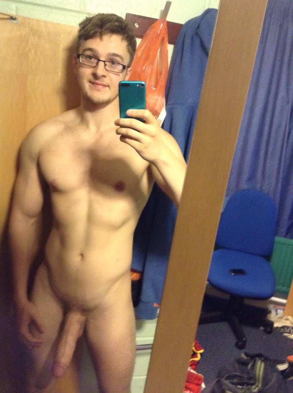 watch dudes huge cock dude selfie