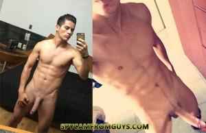 amateur big dick guy naked selfie