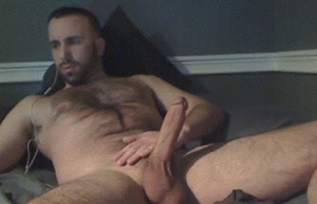 Handsome Stud Chatting Wanking
