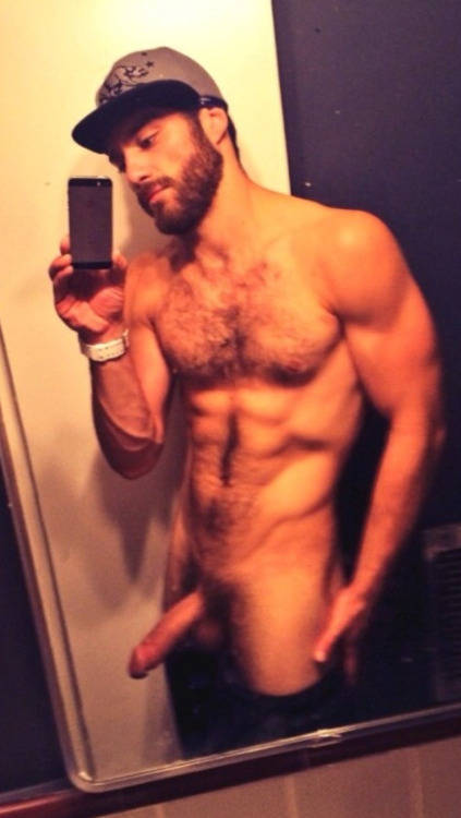 amateur hairy guy naked selfie