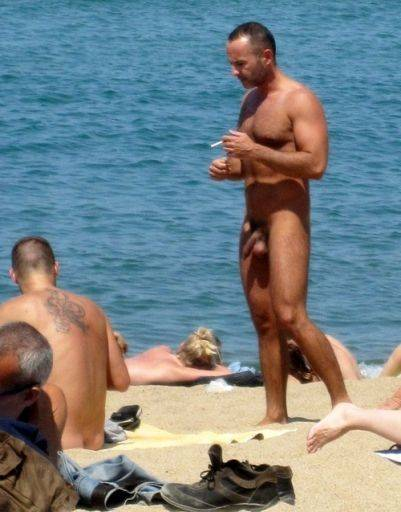 beach naked Bulge at men
