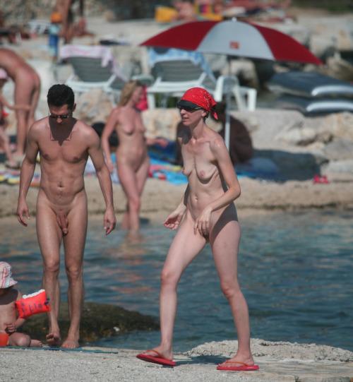 straight nudist man