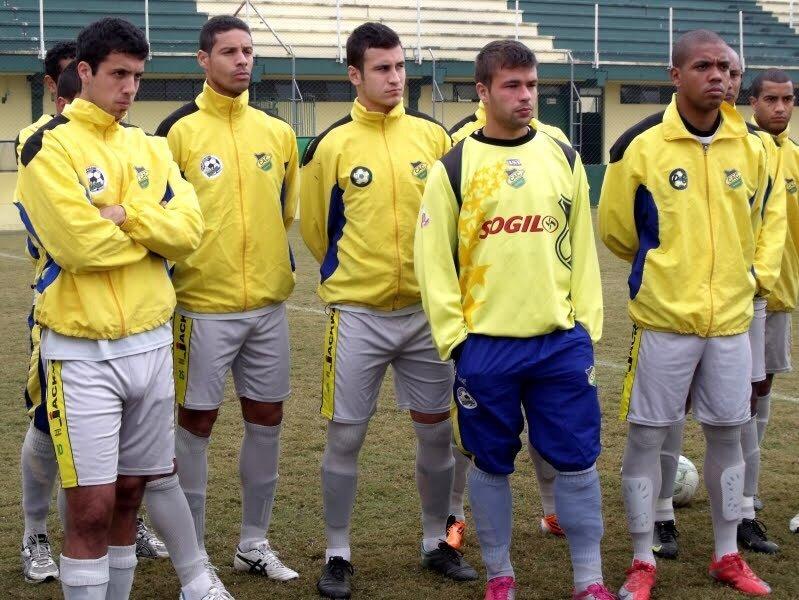 footballers bulges