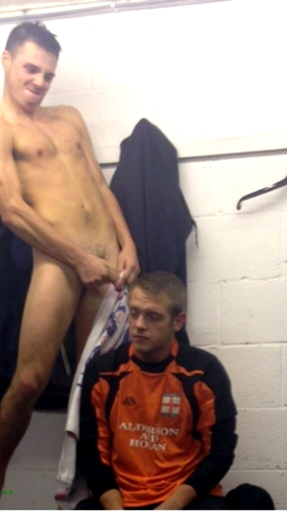 straight naked guys lockerroom