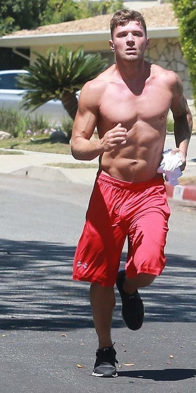 Ryan phillippe bulge