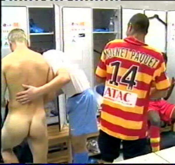 naked sportsmen lockerroom after game 4