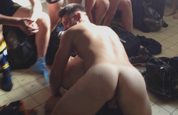 straight guys naked lockerroom