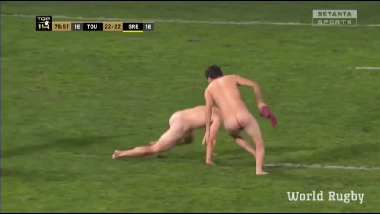 STREAKERS at a Toulouse home Top 14 match 2