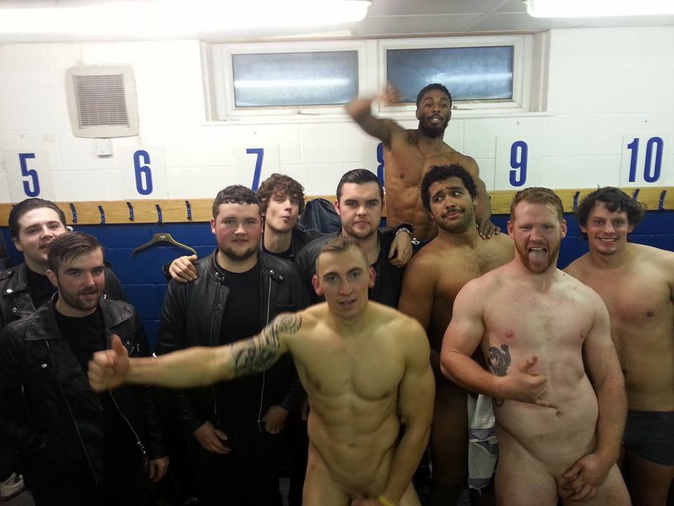PROODEUTIKH greek football team - naked in locker