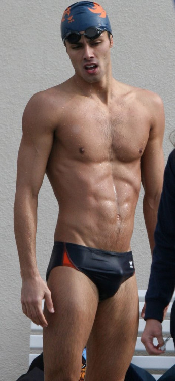 swimmer bulge