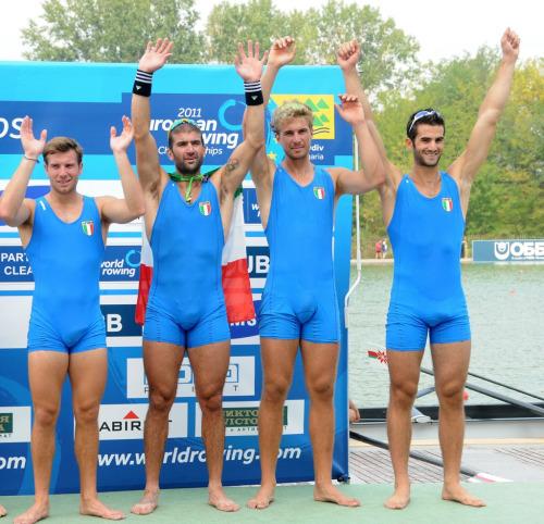 italian rowers bulge visible penis lines