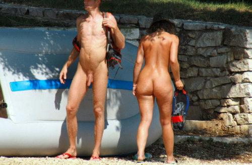 big dick straight nudist man