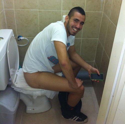 dude caught in toilet