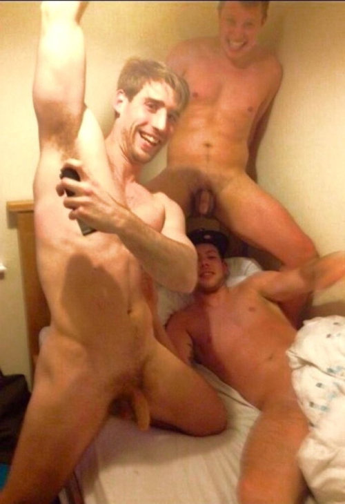 straight guys having fun naked on bed