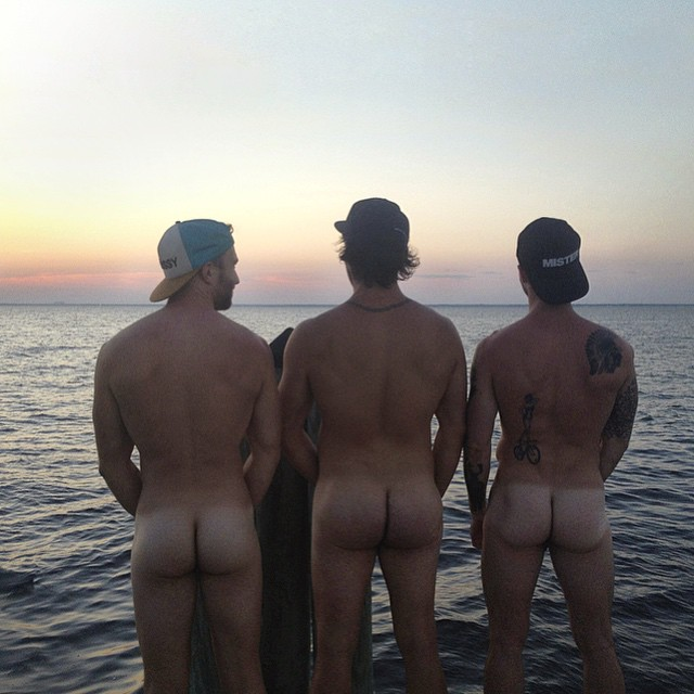 straight guys naked asses beach