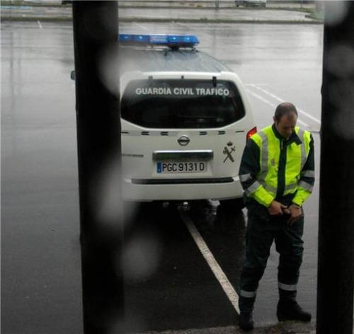 policeman caught peeing public