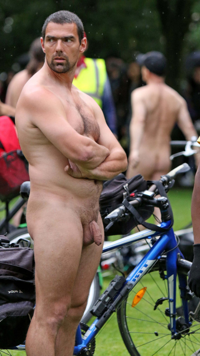 Men beach nudism public pics 9