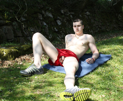 dick-slip-guy-sunbathing