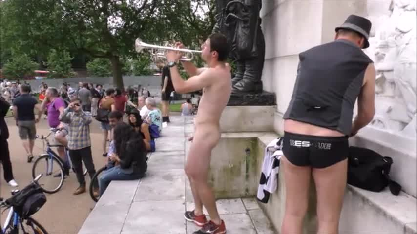 french-men-naked-london-wnbr-4