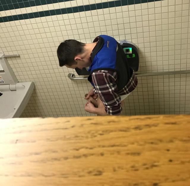 Spy on guys in male public toilets