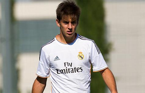 soccer-player-alvaro-medran