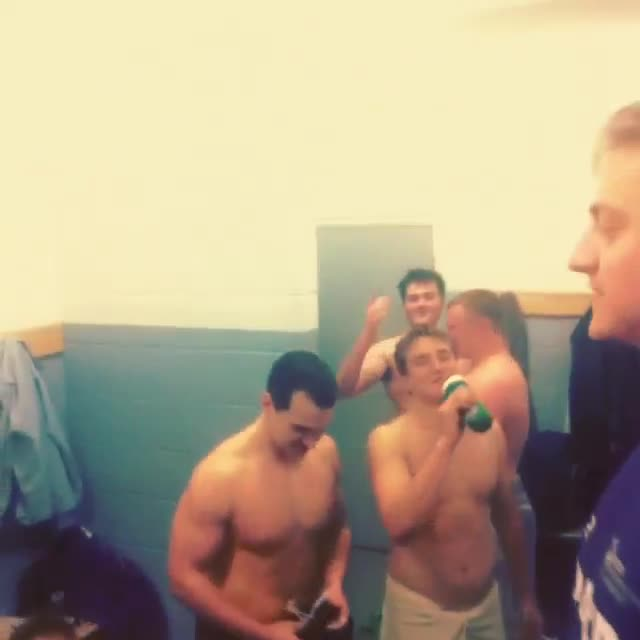 rugby-lads-in-the-locker-room-2