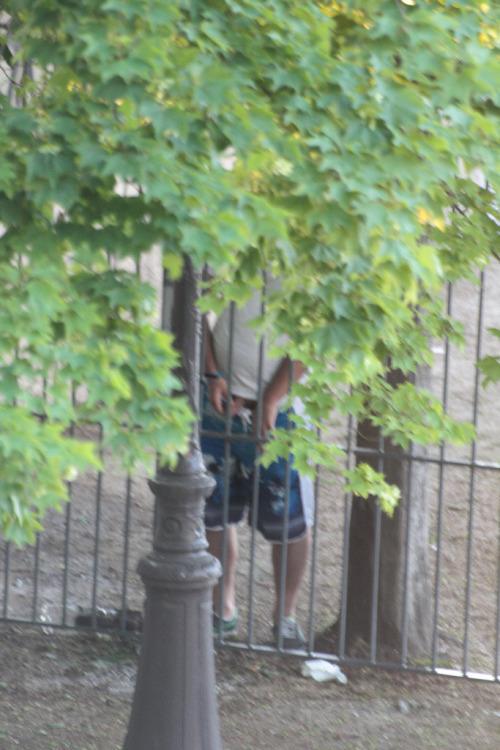 men caught peeing public street 01 - Spycamfromguys
