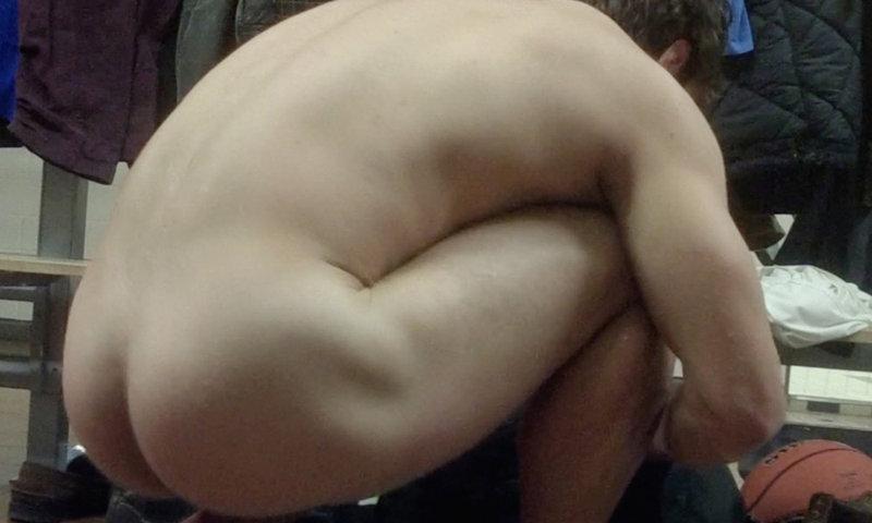Naked ass squat