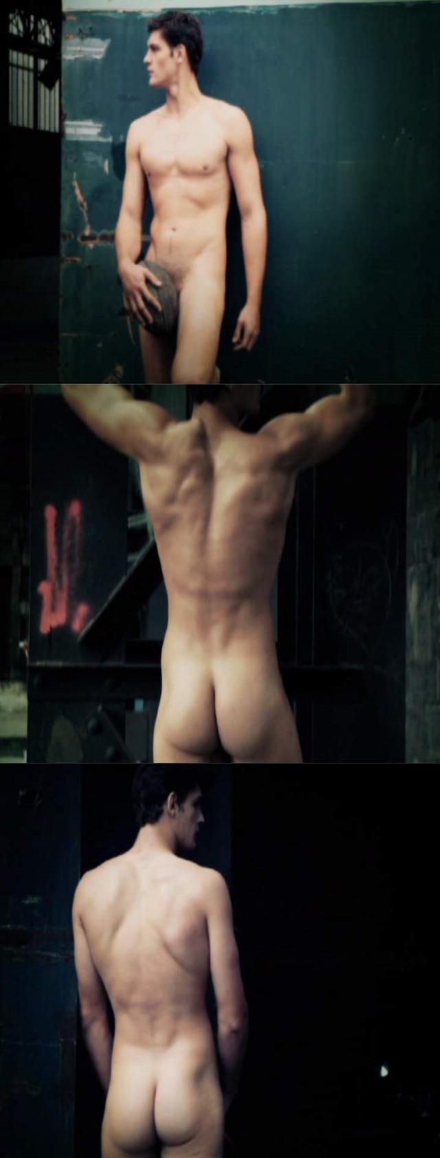rugby player Alexandre Flanquart posing naked dieux du stade