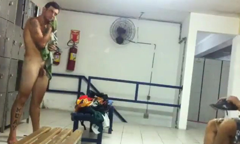 muay thai fighter caught naked by spycam