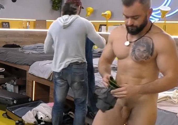 naked guy big brother poland