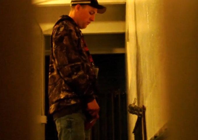 spy on guys caught peeing at urinals