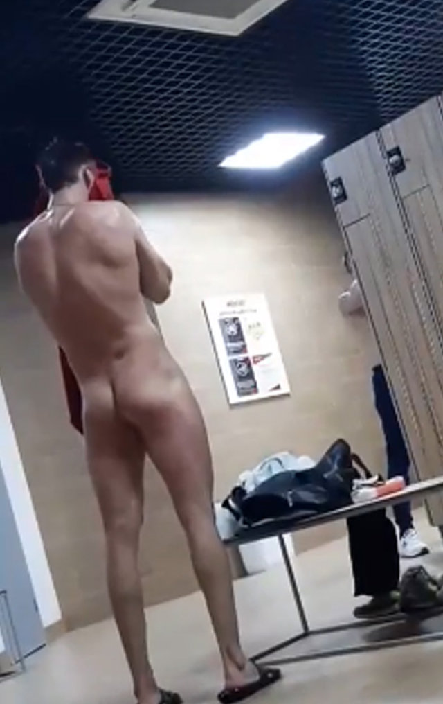 naked guy caught in gym changing room