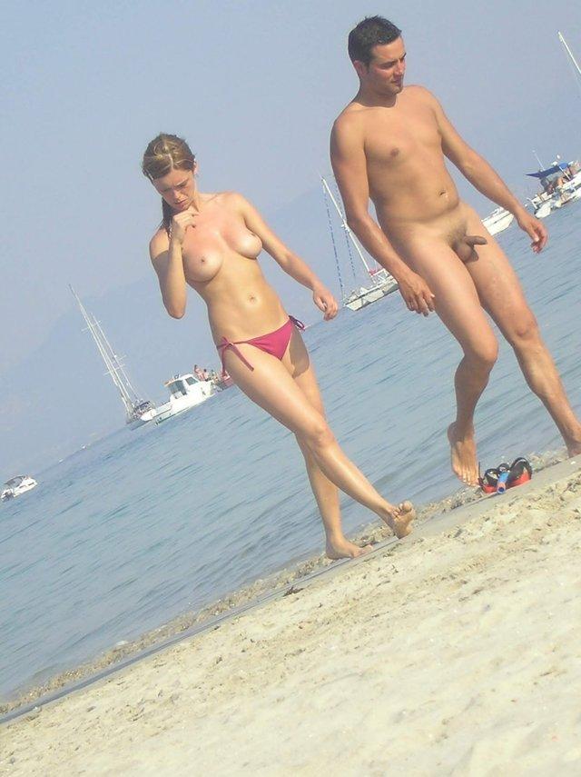 straight nudist guy on the beach