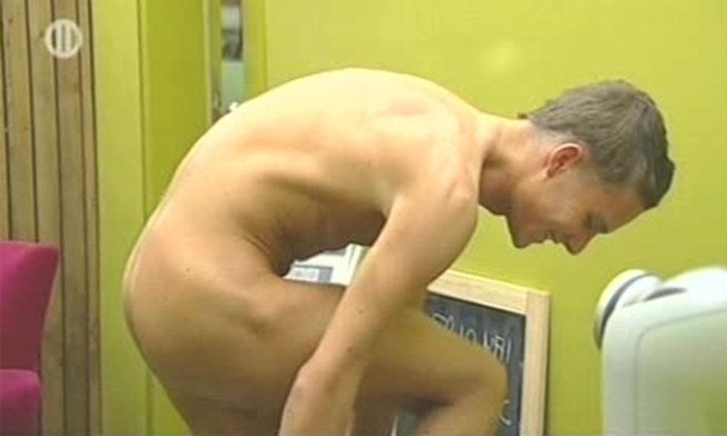 naked guy big brother belgium