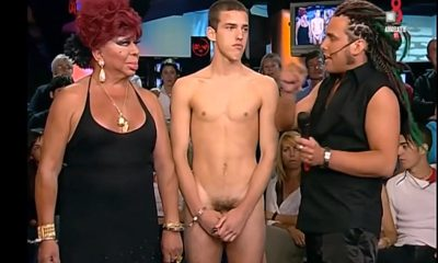 guy full frontal naked on tv show