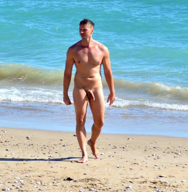 spy on hung nudist guy