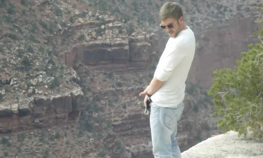 hung guy peeing in grand canyon