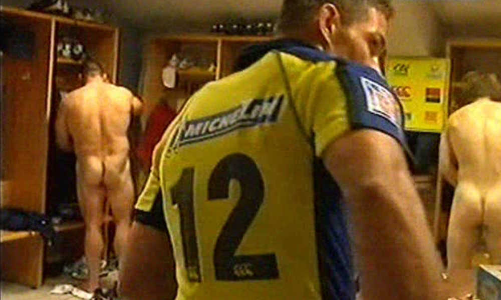 naked rugby player in clermont locker room