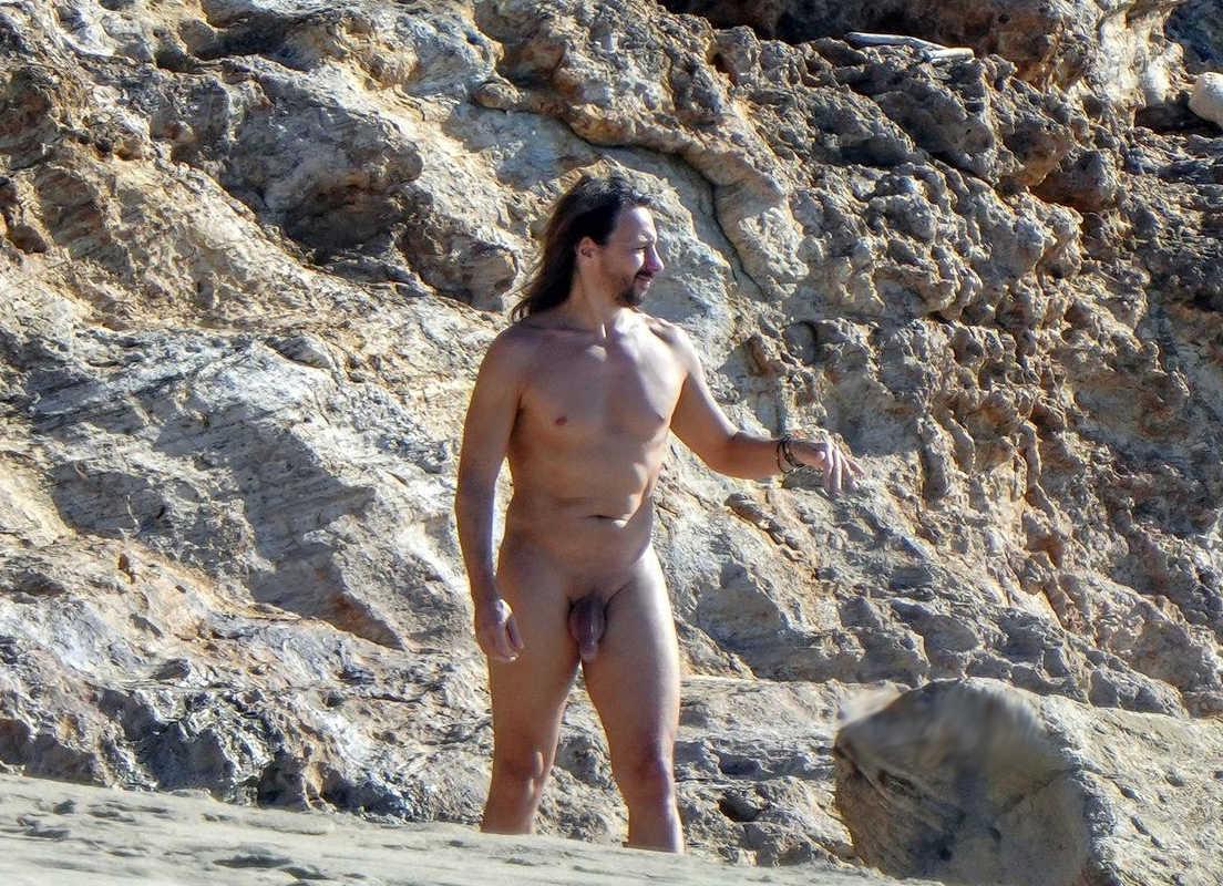 bob sinclar captured totally naked