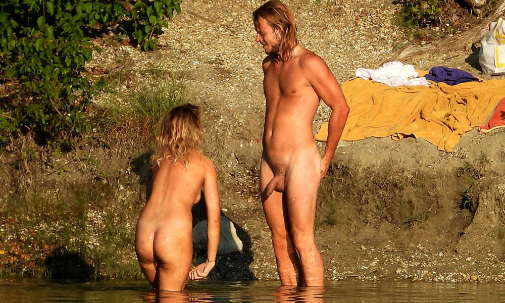 straight long haired nudist guy