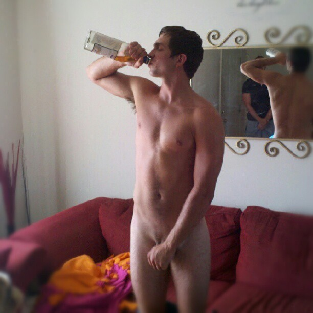 naked-guys-drinking-first-blowjob
