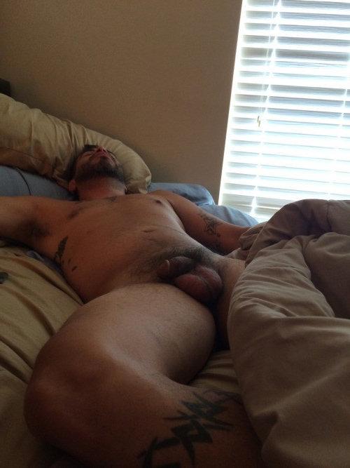 sleeping-naked-with-boyfriend-flash-porn-horny-wild-party-public
