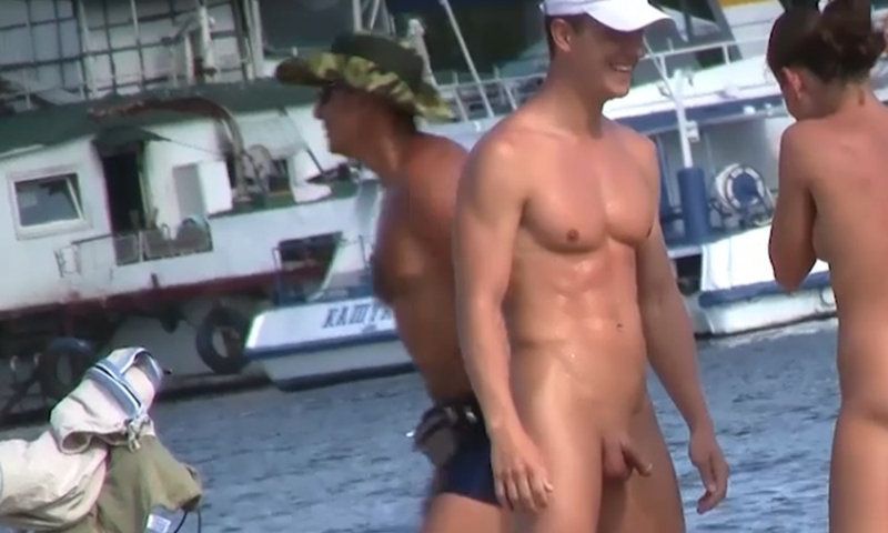 athletic muscle straight nudist guy