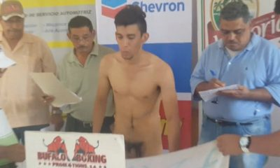 boxer accidentally shows his cock during weigh in