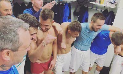 footballers in underwear selfgrabbing